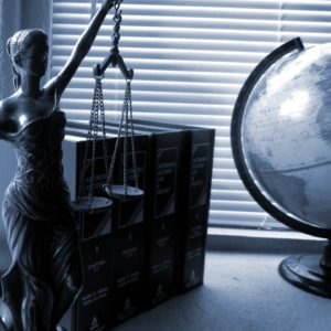 lady-justice-2388500_1920